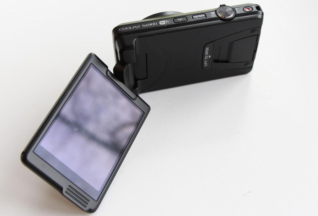 nikon coolpix s6900 поворотный дисплей